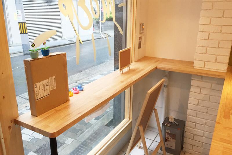 ショップ内装 テーブル