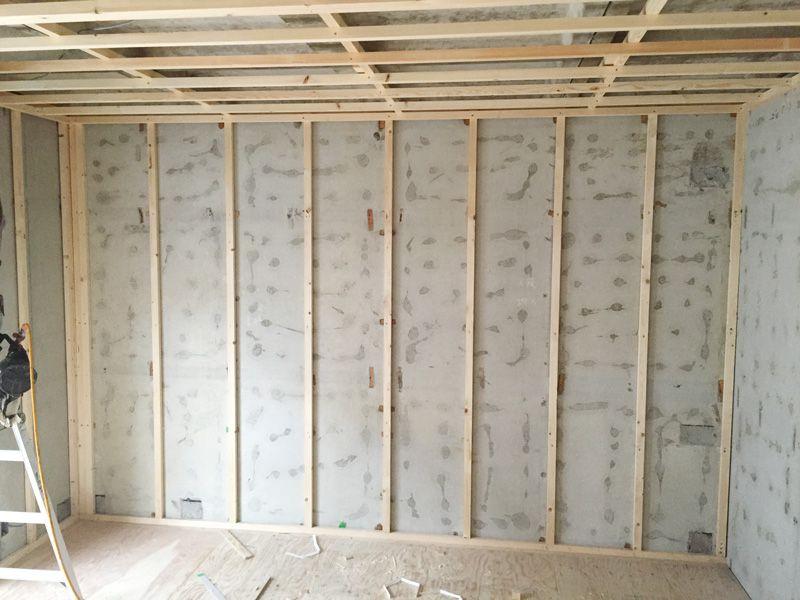 壁面 間柱設置