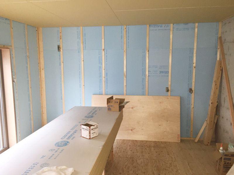 壁面 断熱材設置