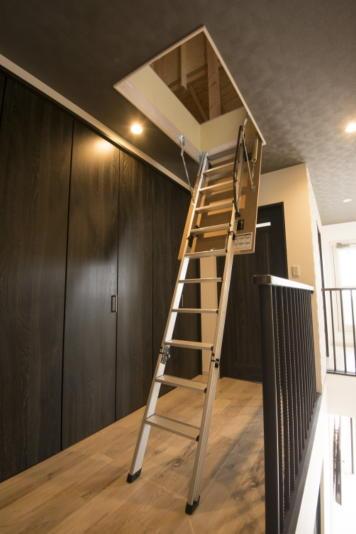 注文住宅 新築 ロフト収納 階段